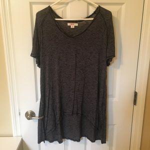 Long shirt w/Black and White stripes